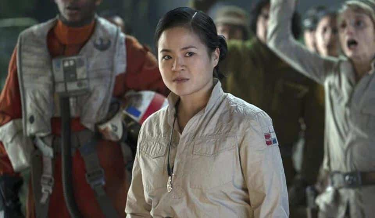 Rose Star Wars female woman characters heroes gender bending James Bond