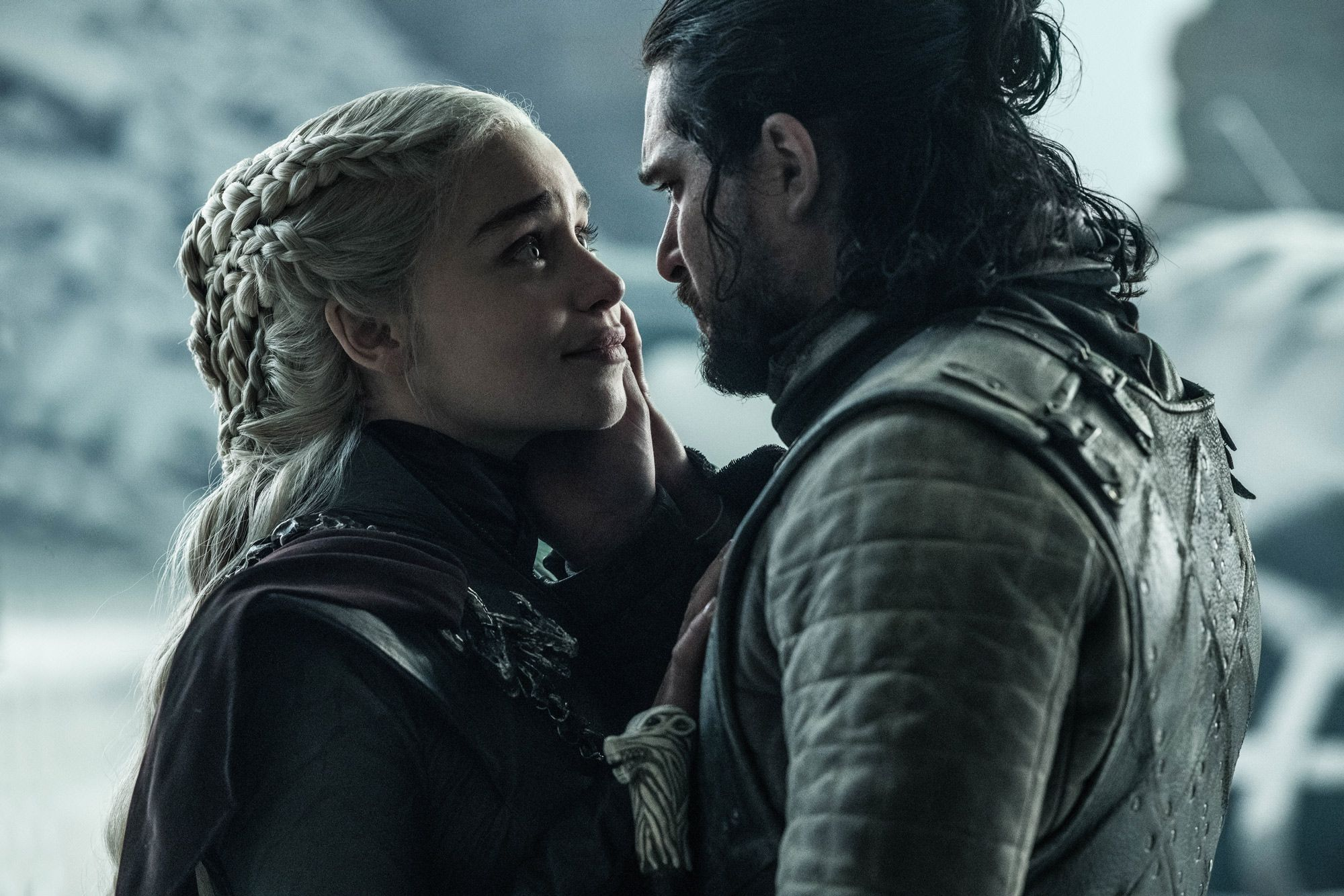 emilia clarke unhappy with game of thrones ending