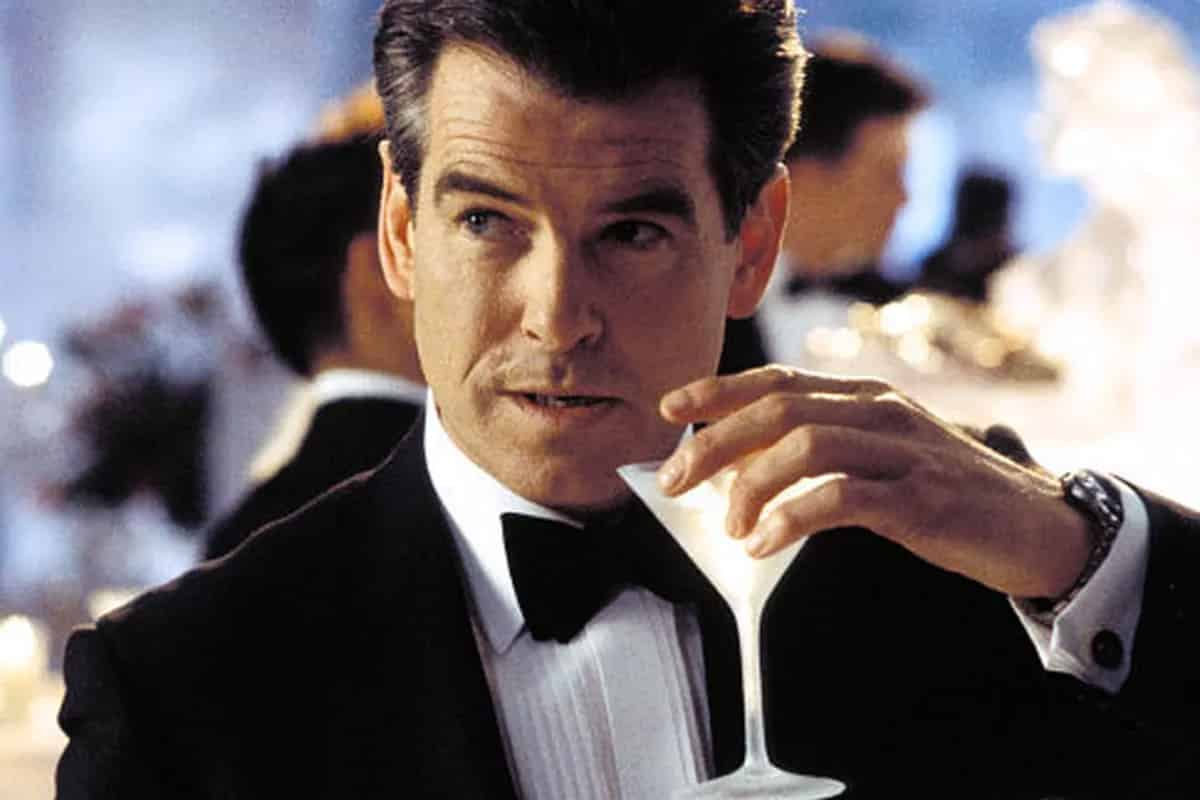Pierce Brosnan James Bond enjoys his work in GoldenEye, Tomorrow Never Dies, Die Another Day, different from Daniel Craig