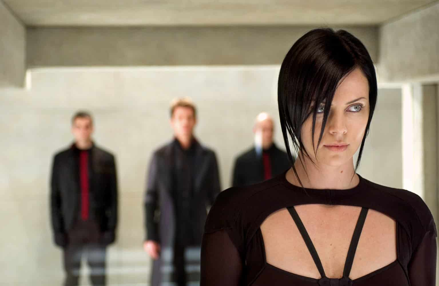 With Mad Max: Fury Road, Atomic Blonde, and Fast and Furious, Charlize Theron has proven herself a major action star. But yikes with Aeon Flux or Æon Flux