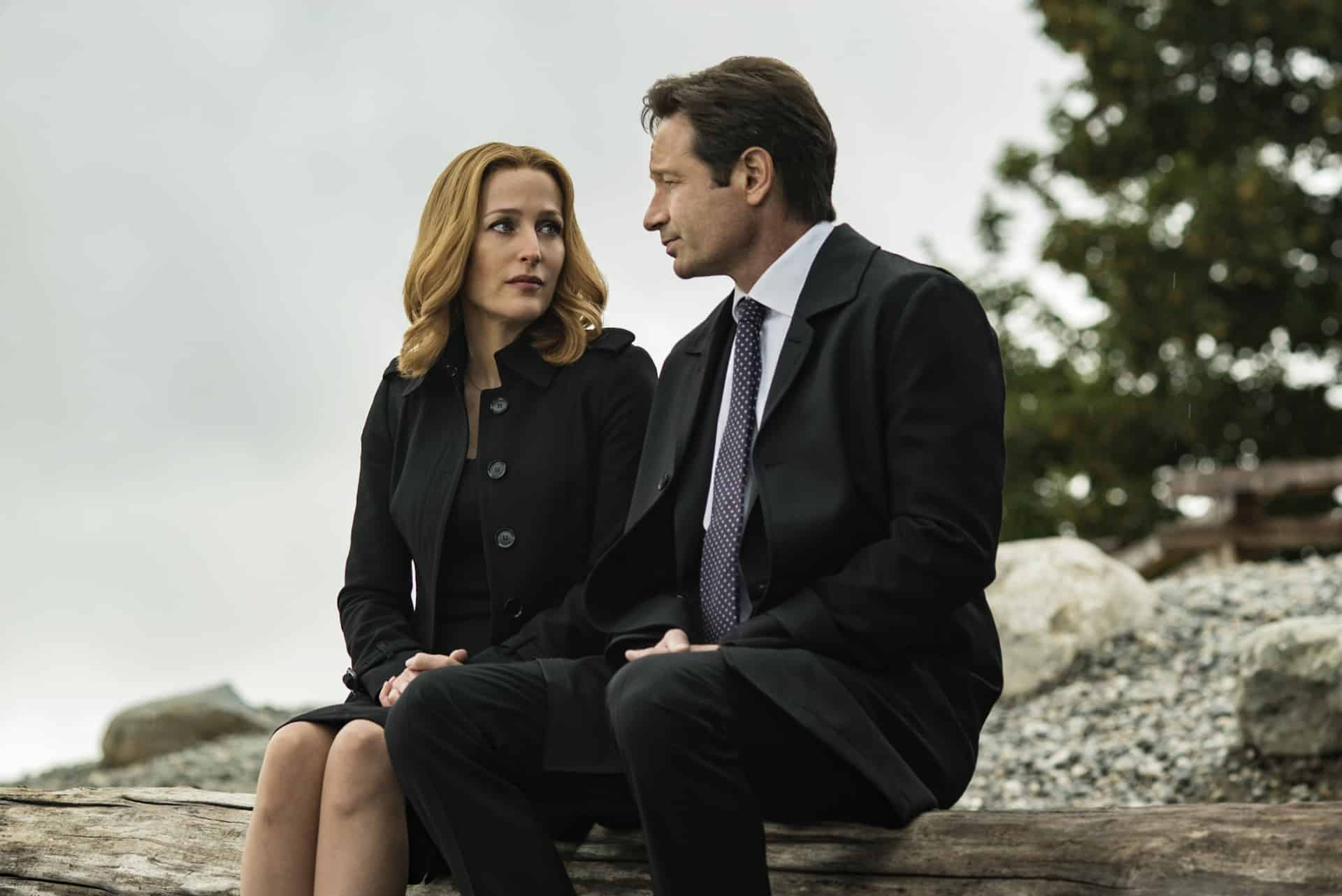 The X Files truth alien conspiracy with Fox Mulder, Chris Carter expands and goes nowhere, like Assassin Templar framing of Assassin's Creed