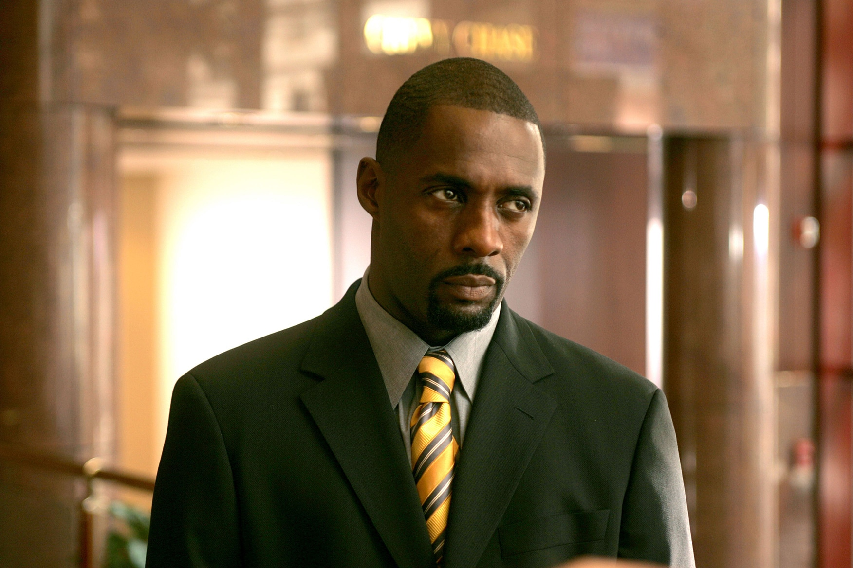 Idris Elba is a universally beloved actor that Hollywood struggles to cast effectively in films, yet The Suicide Squad understands him, The Wire