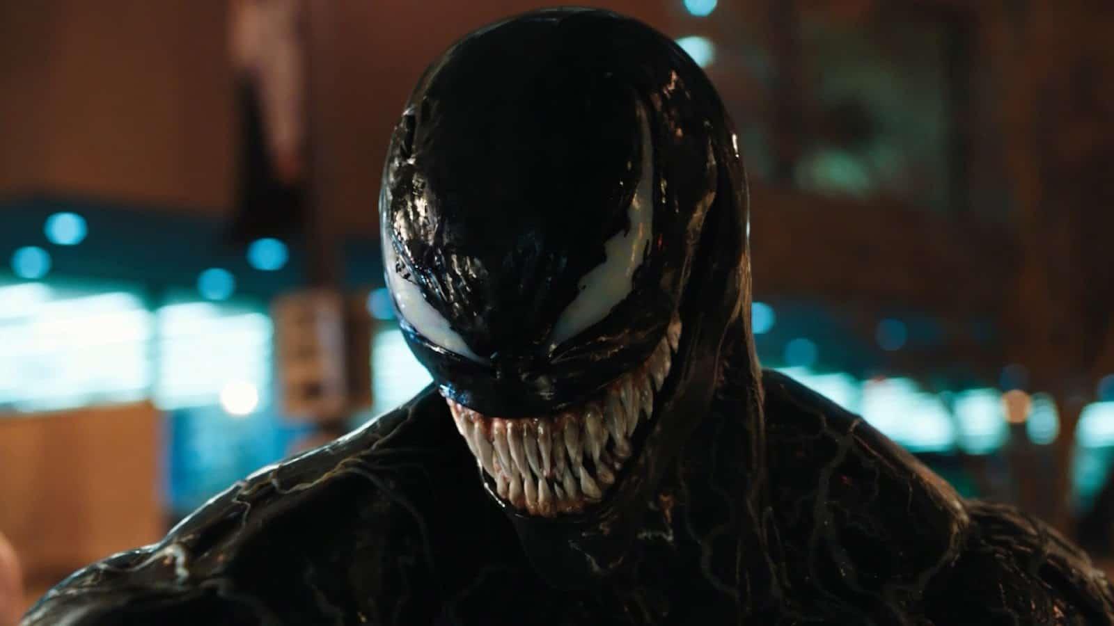 Tom Hardy Venom Feels Like a Superhero Movie from 2004 throwback Ruben Fleischer